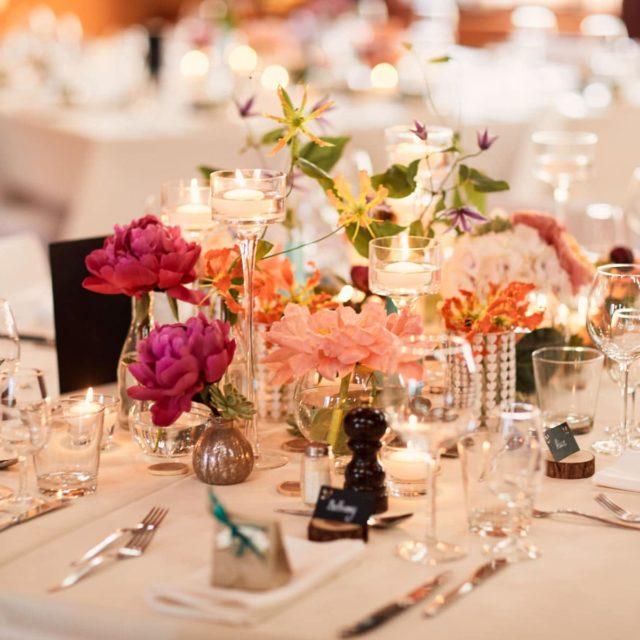 L'art de la table pendant un mariage dans le canton de vaud.