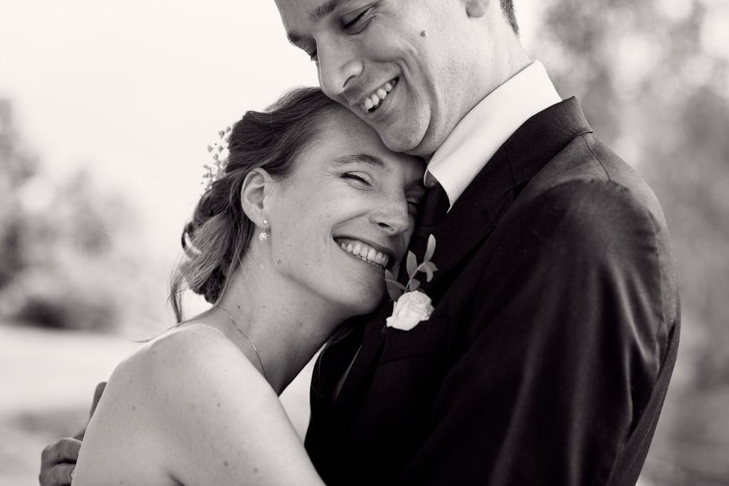 Séance photos de couple lors d'un mariage