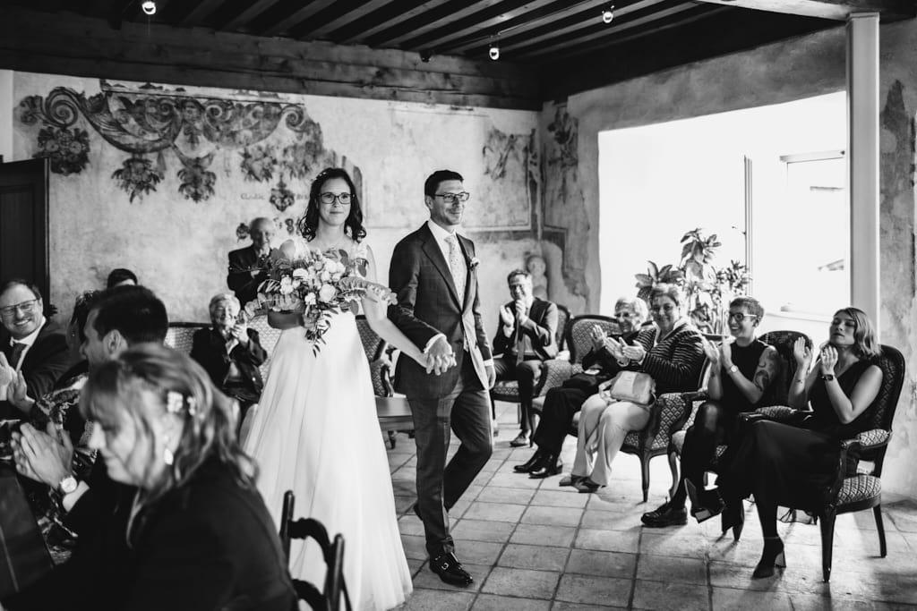 Entrée des mariés à l'etat civil de Gruyère dans le canton de Fribourg
