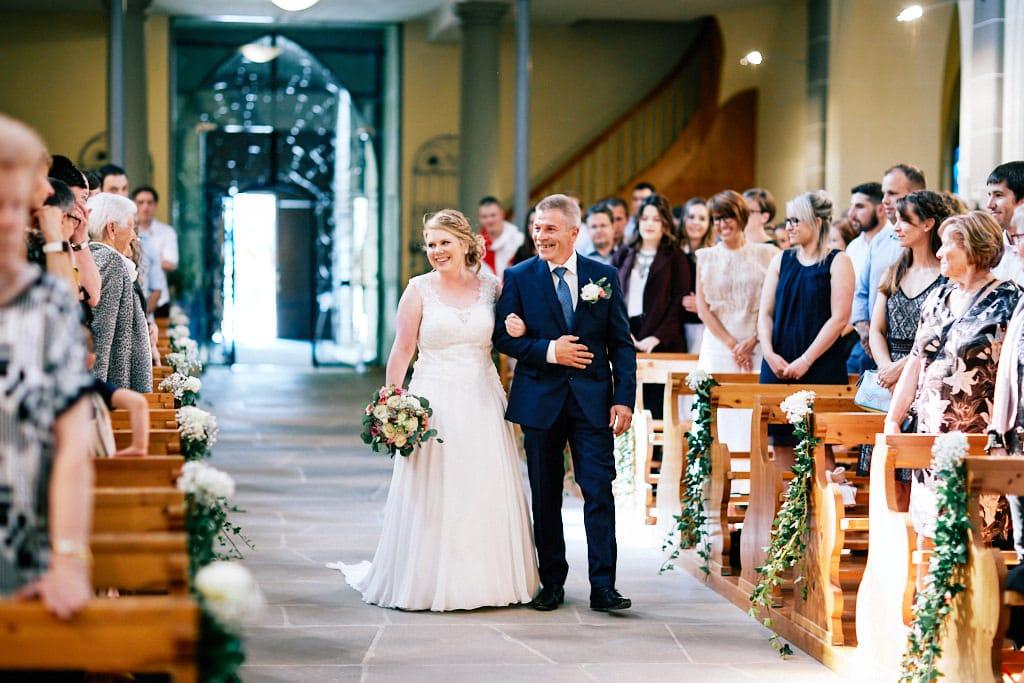 Entrée de la mariée dans l'Eglise de Gruyère