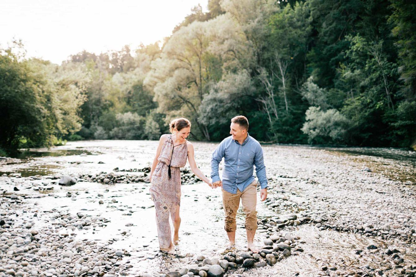 Des amoureux dans la rivière